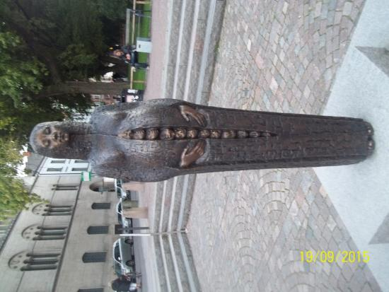 Lund, İsveç: Monument in front of the Cathedral