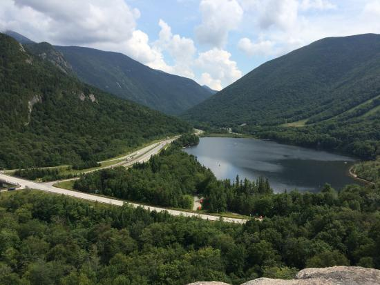 Franconia-Sugar Hill-Easton: Franconia Notch looking south from Artists Bluff, Echo lake