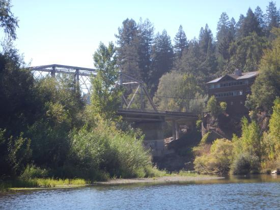 Burke's Canoe Trips on the Russian River: Bridge 1:2