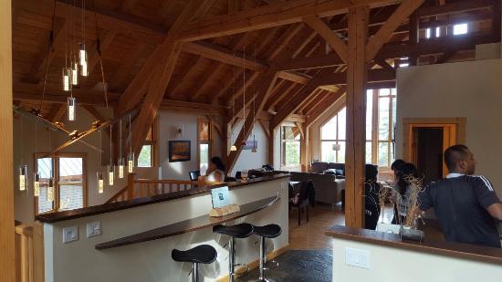 Golden, Canada: living room kitchen area