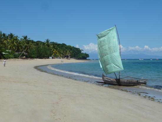 Ambatoloaka, Madagaskar: la spiaggia di madirokely di fronte al marlin club