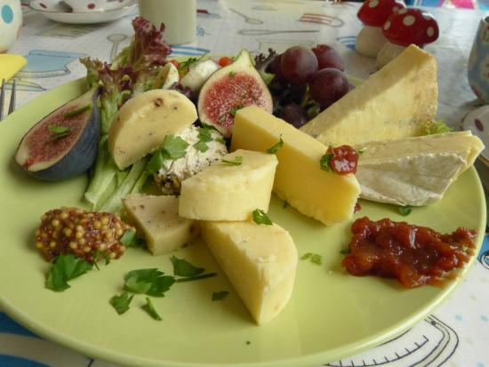 The Barn: Ploughman`s lunch.