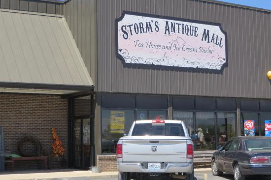 Licking, มิสซูรี่: Storms Antique Mall