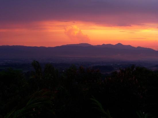 Alajuela, Costa Rica: Sunset at Ultra Villa