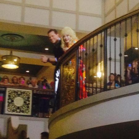 Dollywood S Dreammore Resort And Spa Dolly Was Filming A Christmas Special In Hotel Lobby