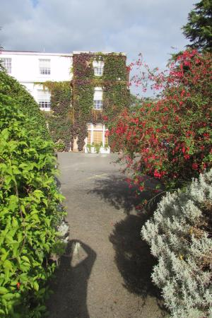 Rowton Hall Hotel and Spa: Hotel from Gardens