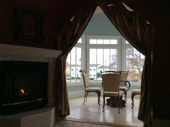 Brigadoon Bed and Breakfast: Glass turret and gas fireplace are 2 special feature