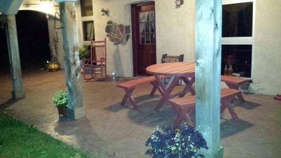 Mulberry Grove, IL : Bear Grove Cabins Bed & Breakfast
