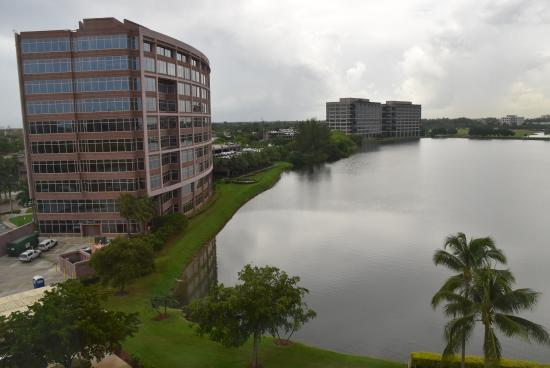 Hotel Miami Airport Blue Lagoon