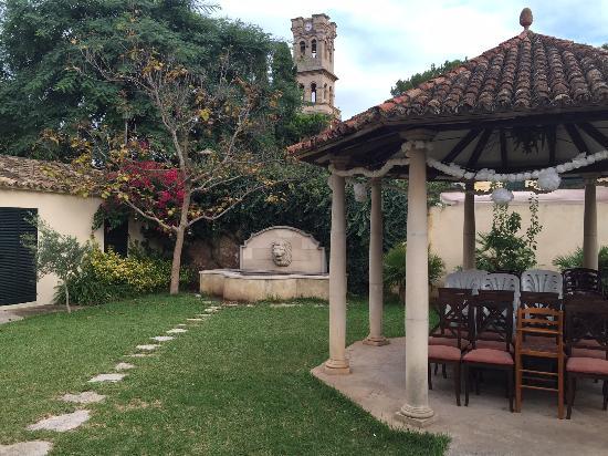 S'Epoca : Precioso patio mallorquín ... ¡con pozo!