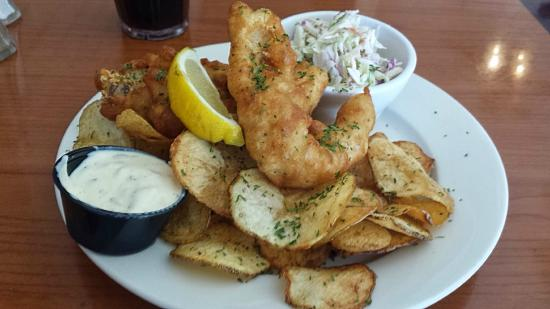 Libby's of Lexington: Lunch special - fried fish