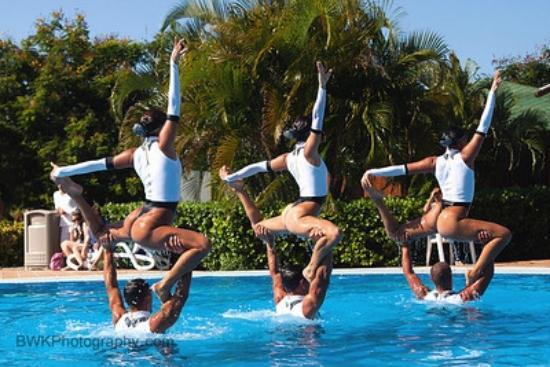 Blau Varadero Hotel Amazing Show In The Pool