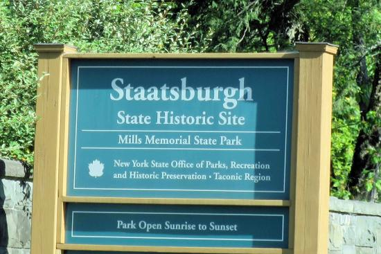 Staatsburg, NY: Entrance Sign