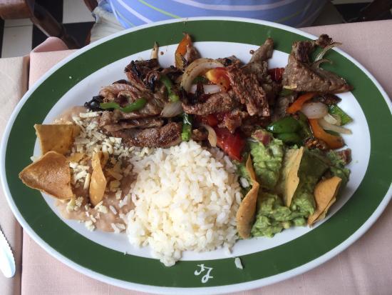 La Rinconada: beef fajita