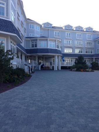 Madison Beach Hotel: hotel as you pull in