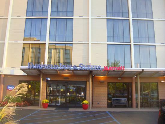entrance picture of fairfield inn suites louisville downtown rh en tripadvisor com hk
