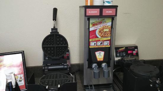 Roseburg, OR: U-Make Waffles