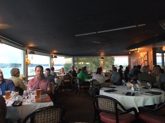 Seafood Restaurants Near Portland Oregon Airport
