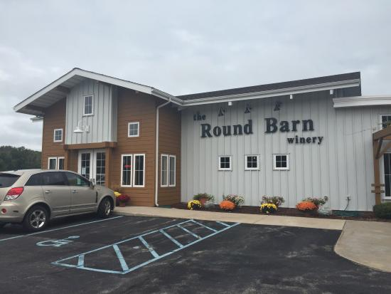Round Barn UNION PIER Tasting Room: photo0.jpg
