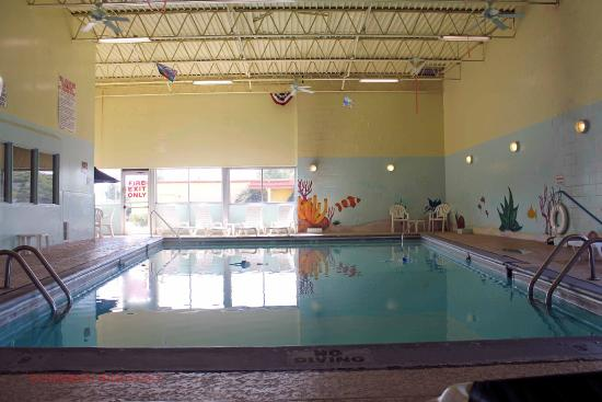 Quality Inn & Suites Council Bluffs: Indoor Heated Pool