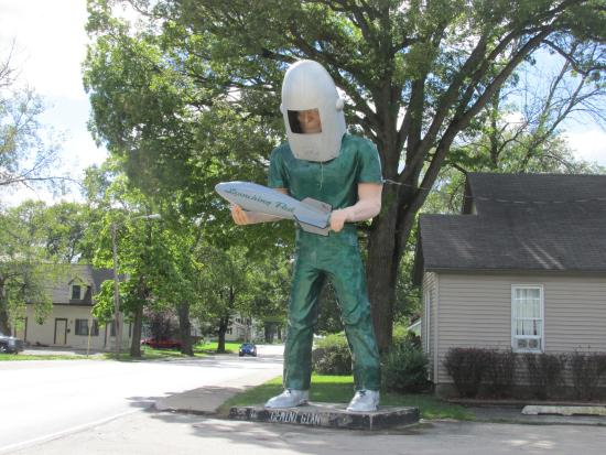Wilmington, IL: The Life Sized Statue