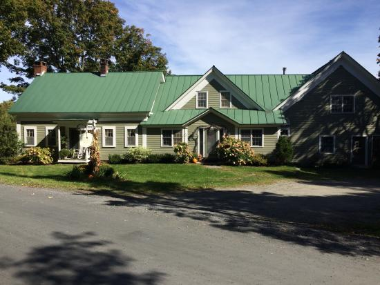Beaver Pond Farm Inn: The inn