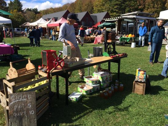 Beaver Pond Farm Inn: The farmers market