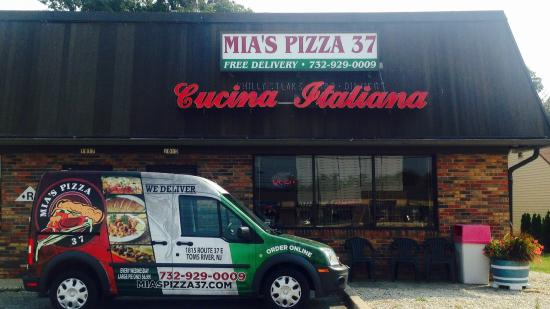 Mia's Pizza 37