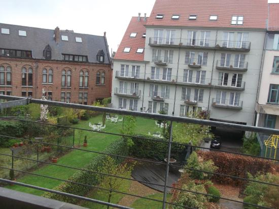 A-XL Flathotel : View out of my room