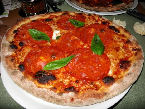 pizza della casa fr 26 foto di ristorante pizzeria il gallo zurigo tripadvisor. Black Bedroom Furniture Sets. Home Design Ideas