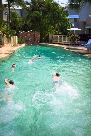 Colonial Resort: Swimming races