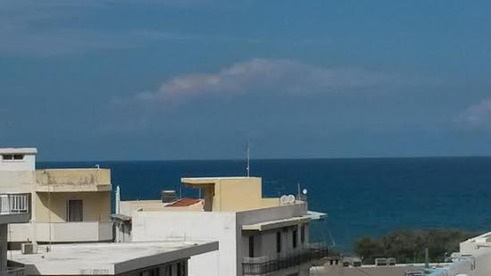 Elina Hotel Apartments : Вид с балкона 5 этажа