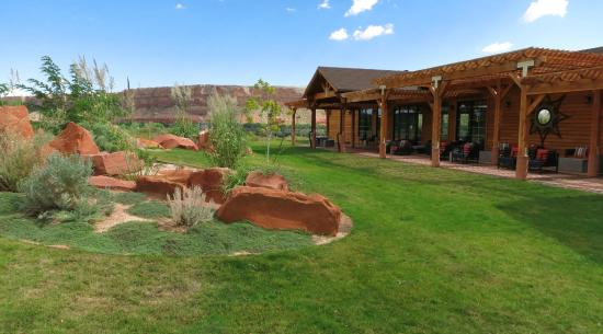 Garden Picture Of Desert Rose Inn Cabins Bluff