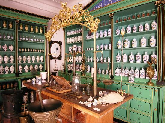 Pharmazie-Historisches Museum: Empire-Pharmacy