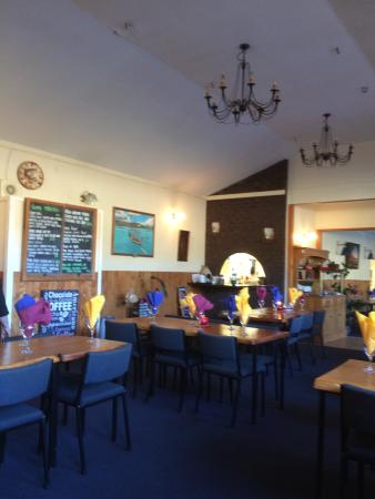 Coromandel Hotel : Great venue for good value, generously proportioned meals.