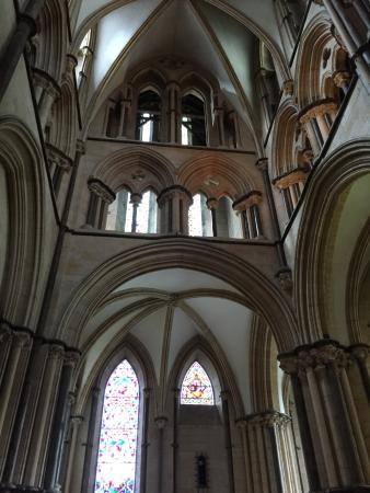 Lincoln Cathedral: Interior Arches