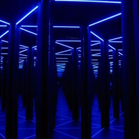 Odyssey Sensory Maze : Mirror Maze