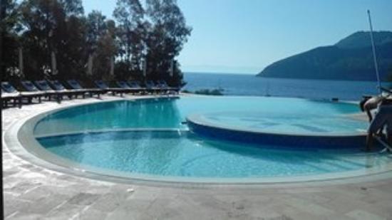 Vulcano Blu Residence: Piscina