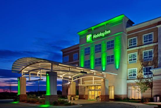 Holiday Inn Aurora North- Naperville: Hotel Exterior