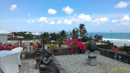 Sing Ken Ken Lifestyle Boutique Hotel : terrasse vue sur le coucher de soleil