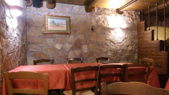 Ristorante la Strettola: tavoli