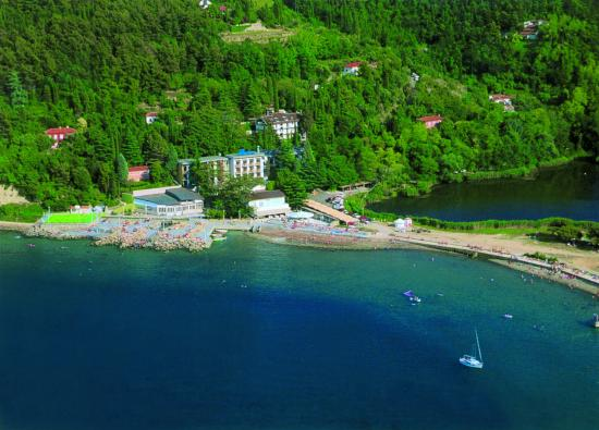 Barbara Piran Beach Hotel & Spa: Hotel view