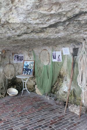 Les Grottes de Matata: une des grottes