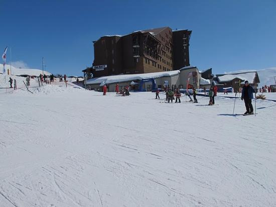 La station vue de la chambre picture of club med l 39 alpe for Chambre d hotes alpe d huez