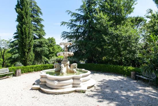 Locanda Antiche Macine: La fontana