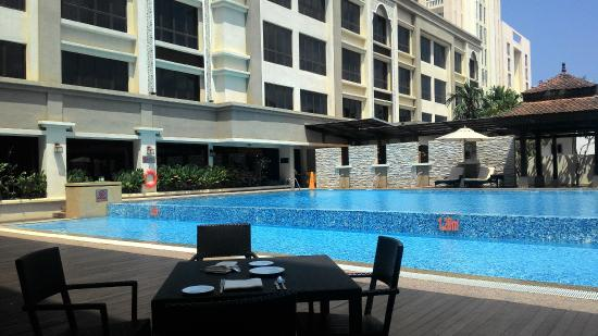 swimming pool picture of hotel perdana kota bharu tripadvisor rh tripadvisor co nz