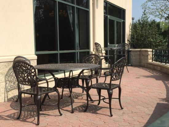 Crowne Plaza Hotel Philadelphia - King of Prussia: Guest Patio