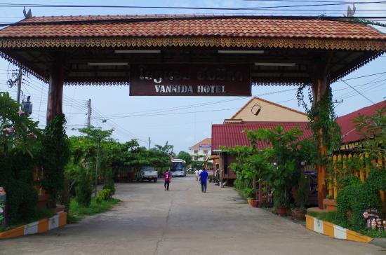 Vannida Hotel and Bungalow