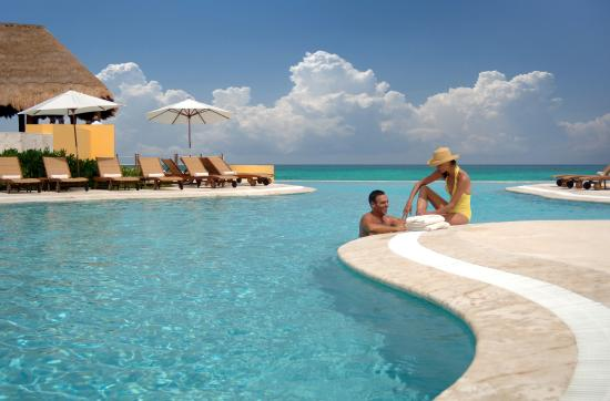 Fairmont Mayakoba: Swimming pool