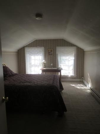 Chapman Inn: Attic room #5